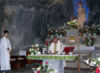 Hl. Messe in der Wallfartsgrotte